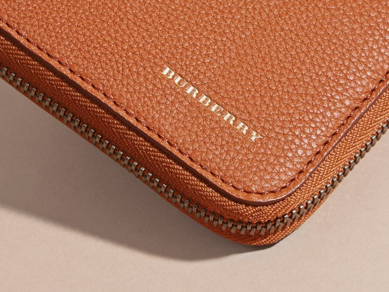 House Check and Grainy Leather Ziparound Wallet Russet - cell image 4
