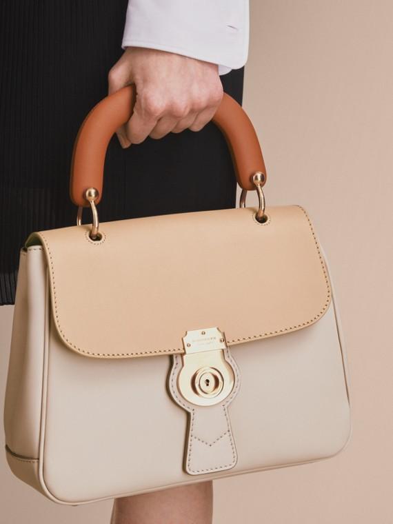The Medium DK88 Top Handle Bag Limestone/honey - cell image 2