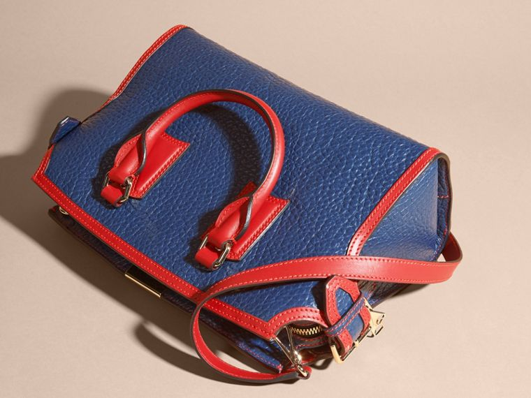 Blue carbon/parade red The Medium Clifton in Signature Grain Leather with Border Detail - cell image 4