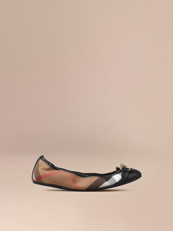 Buckle Detail House Check Ballerinas Black