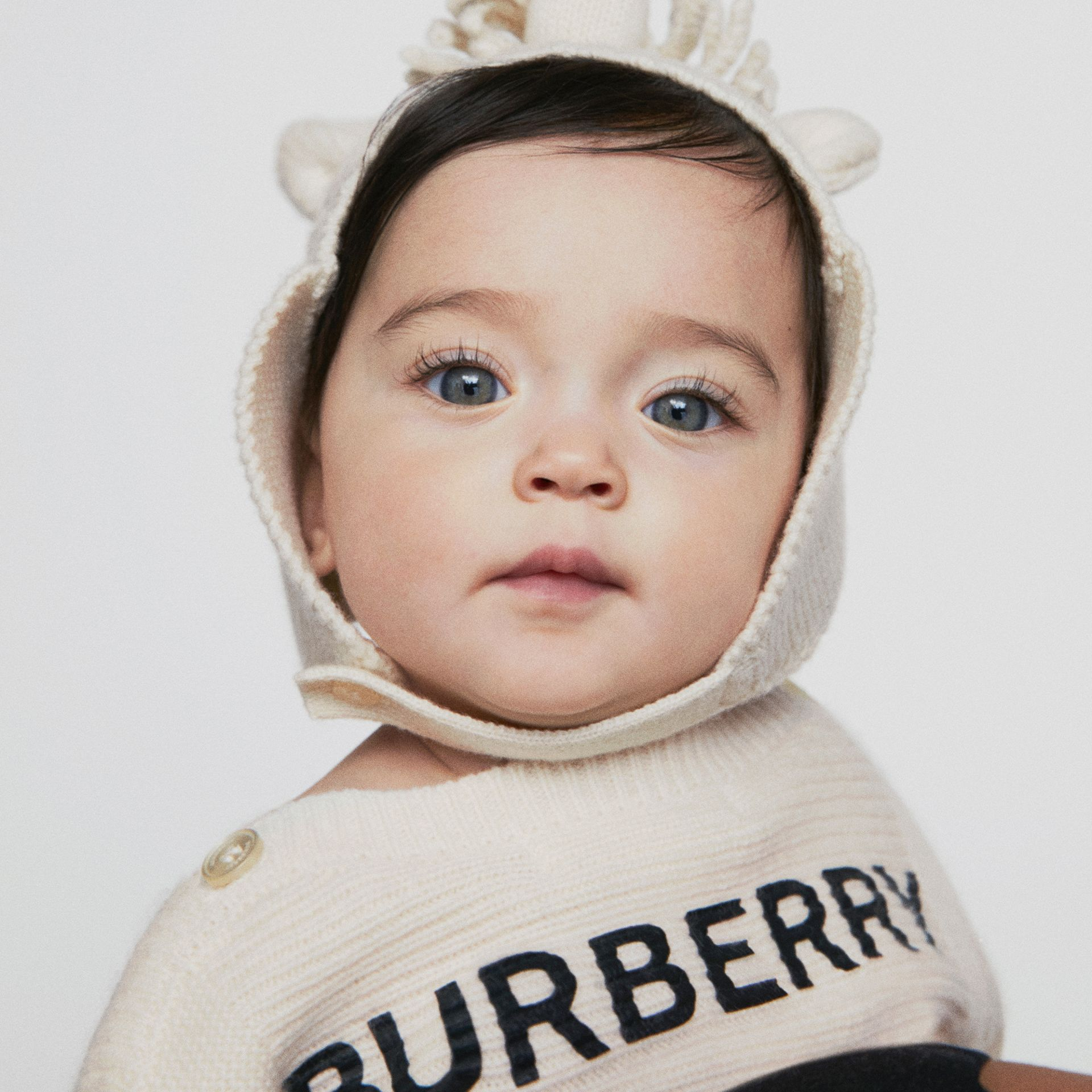 Logo Print Wool Cashmere Six-piece Baby Gift Set in Ivory - Children | Burberry - gallery image 1