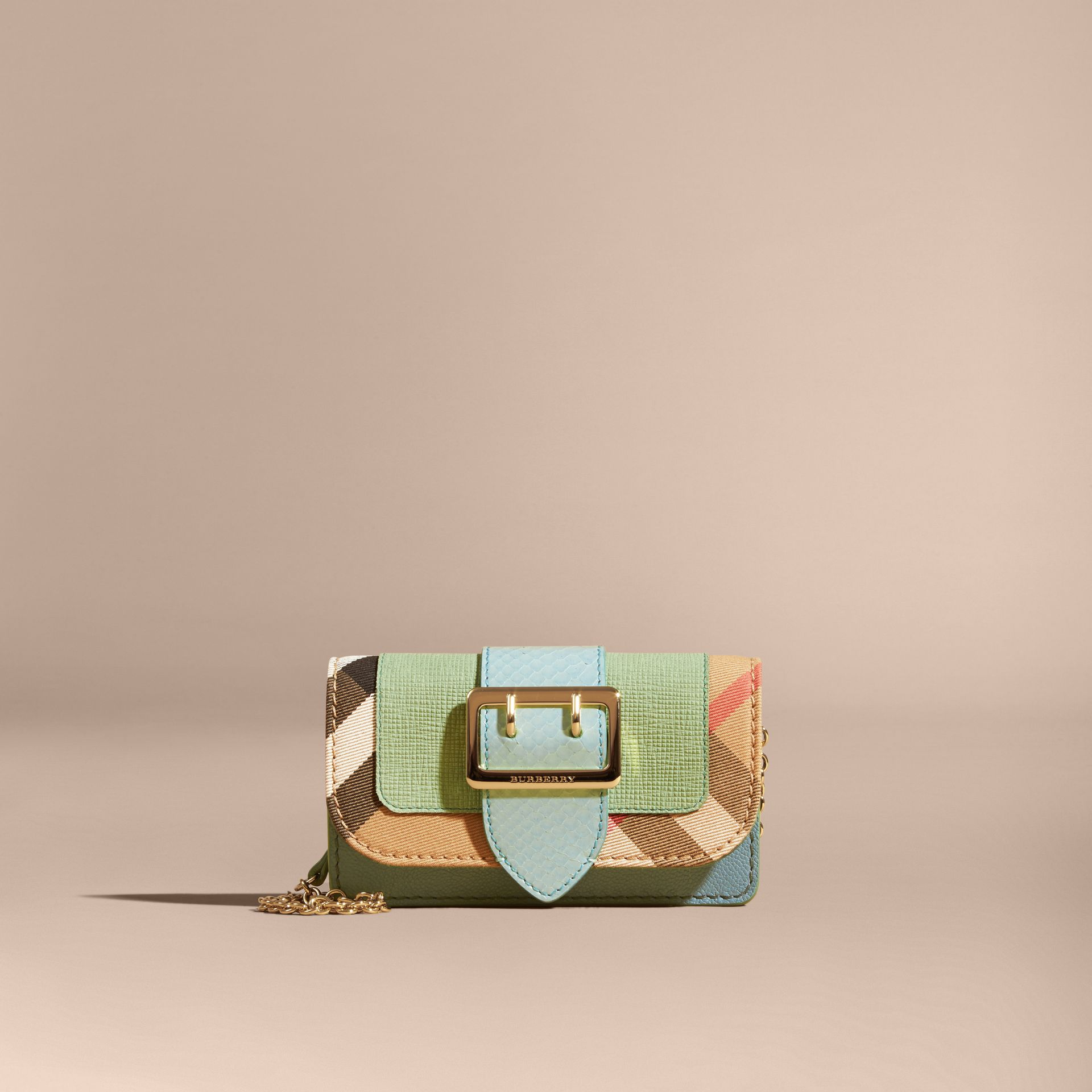 Menta chiaro Borsa The Buckle mini con pelle di serpente e motivo House check - immagine della galleria 8