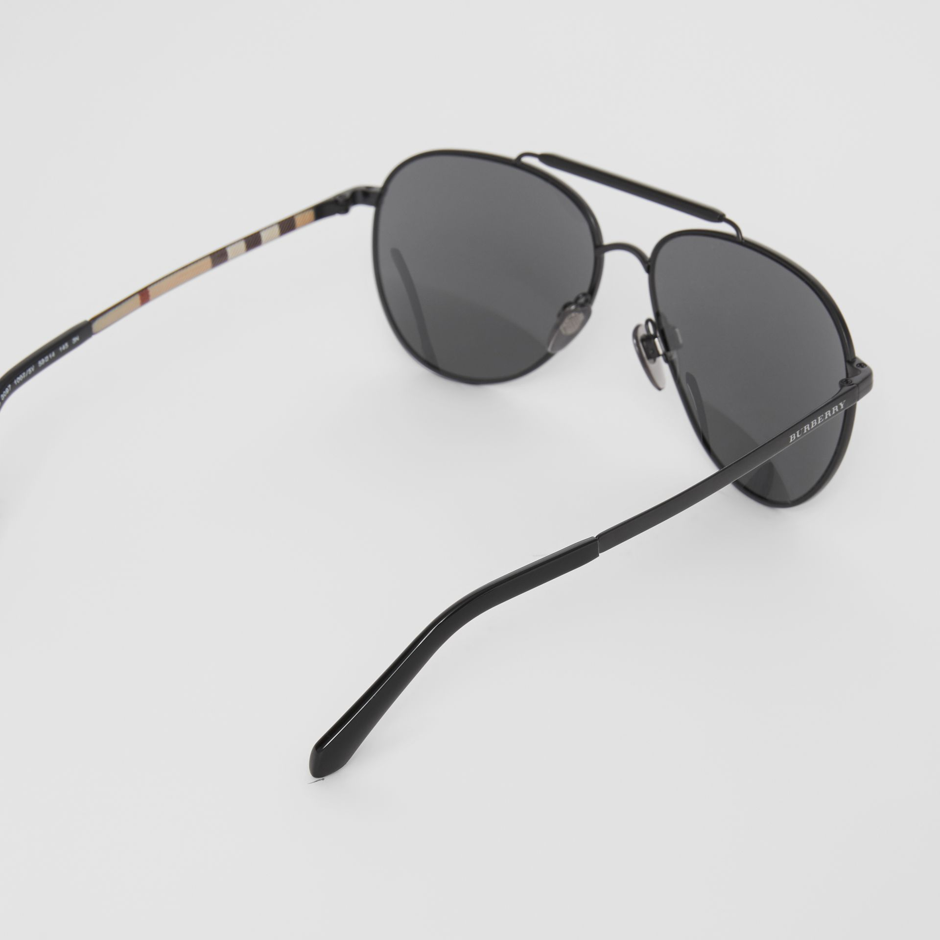 Top Bar Detail Pilot Sunglasses in Black - Men | Burberry - gallery image 4