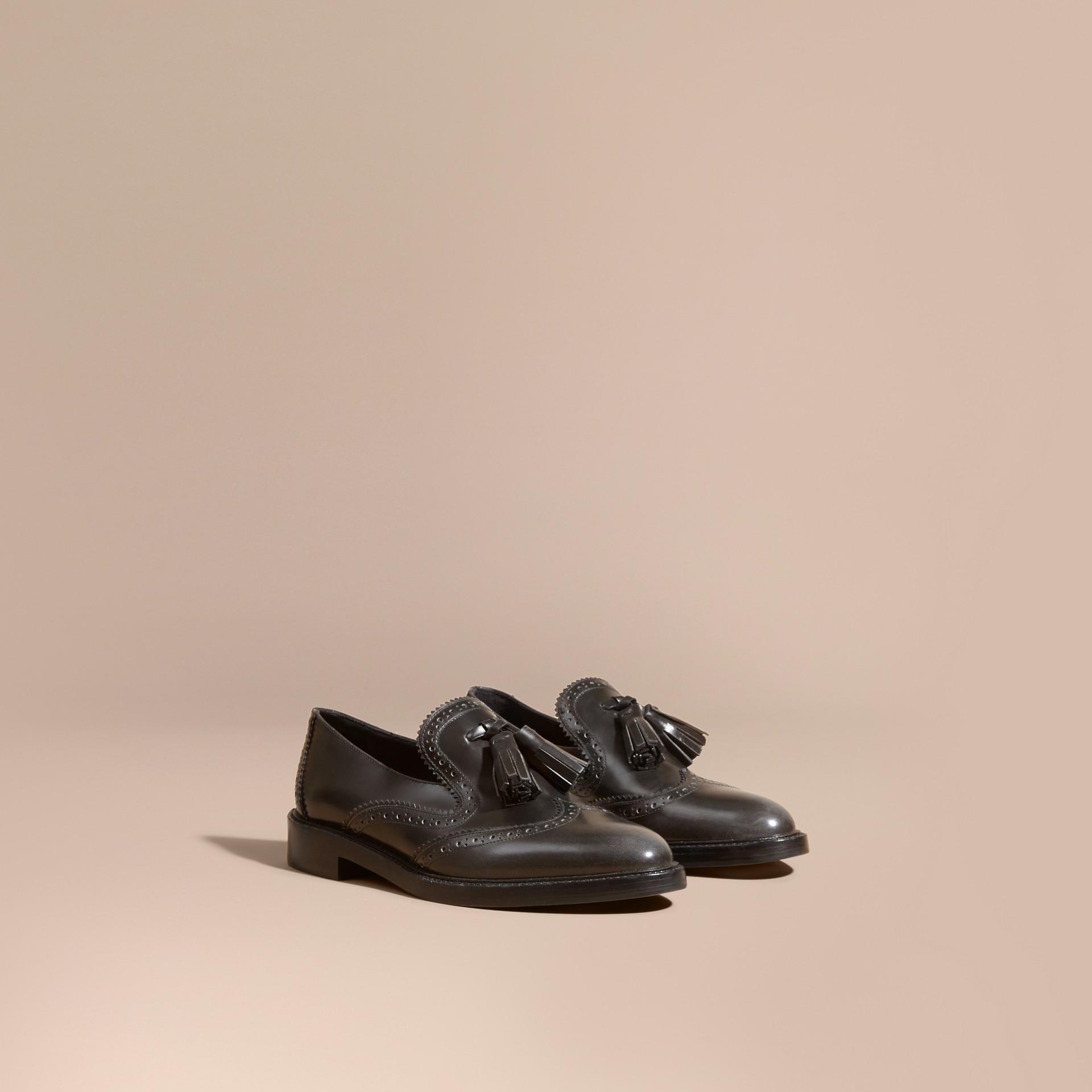Gris encre Mocassins en cuir avec pampilles à effet dégradé Gris Encre - photo de la galerie 1