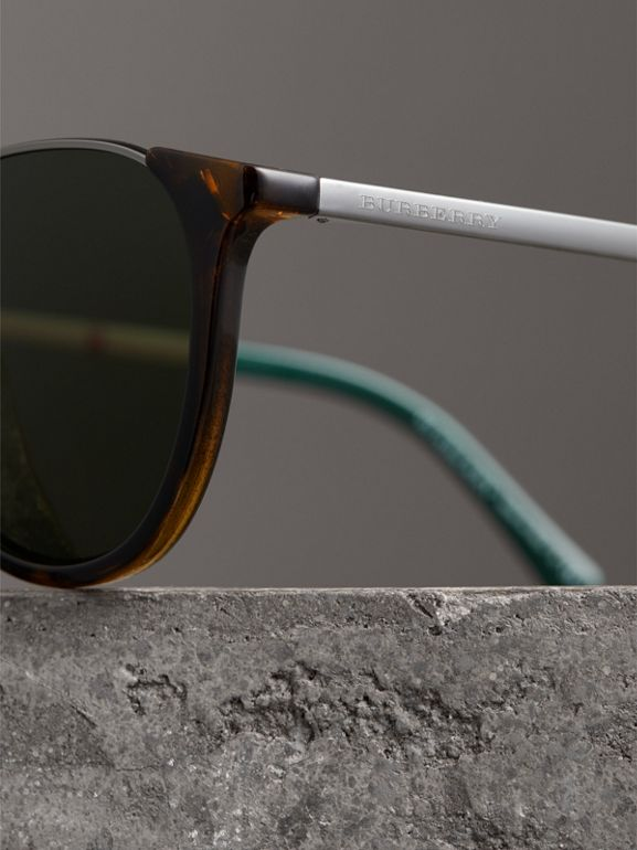 Keyhole Pilot Round Frame Sunglasses in Tortoise Shell - Men | Burberry United Kingdom - cell image 1
