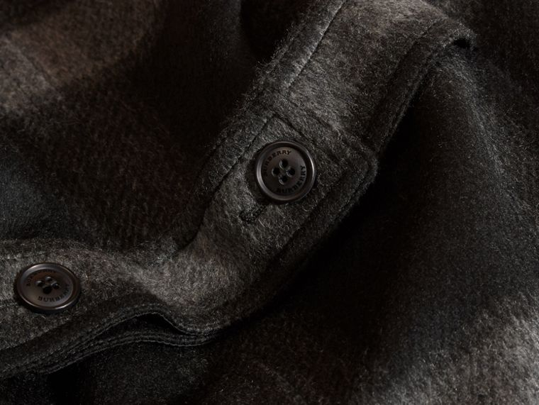 Nero fumo scuro Cappotto senza colletto in misto lana con motivo check - cell image 1
