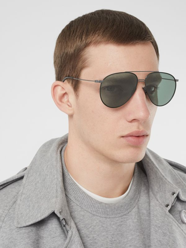 Top Bar Detail Pilot Sunglasses in Gunmetal/dark Green - Men | Burberry - cell image 2