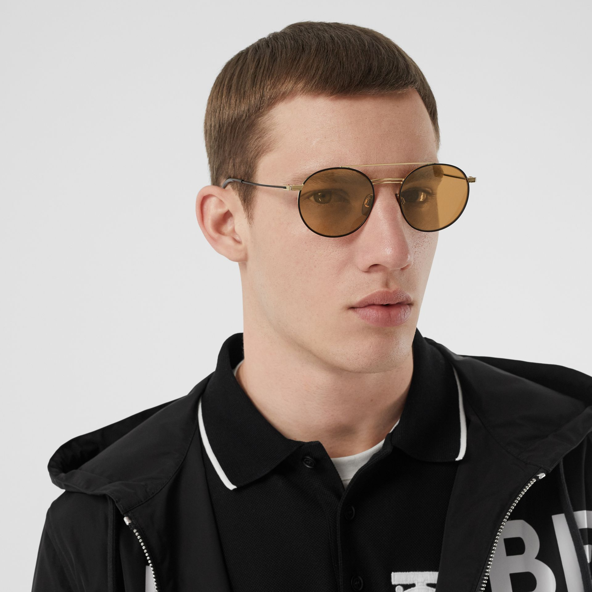 Top Bar Detail Round Frame Sunglasses in Tortoiseshell - Men | Burberry United Kingdom - gallery image 2