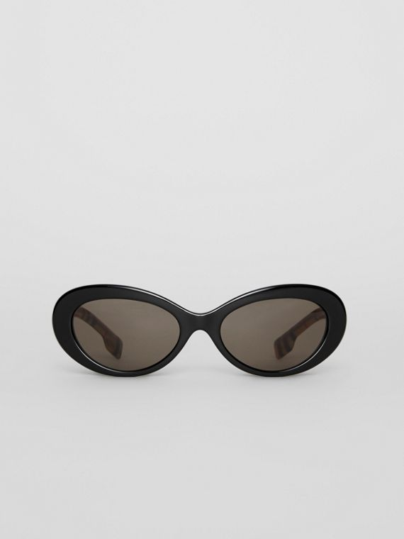 Vintage Check Detail Cat-eye Frame Sunglasses in Black
