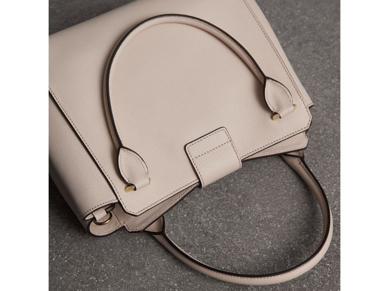 The Medium Buckle Tote in Grainy Leather in Limestone - Women | Burberry United States - cell image 4