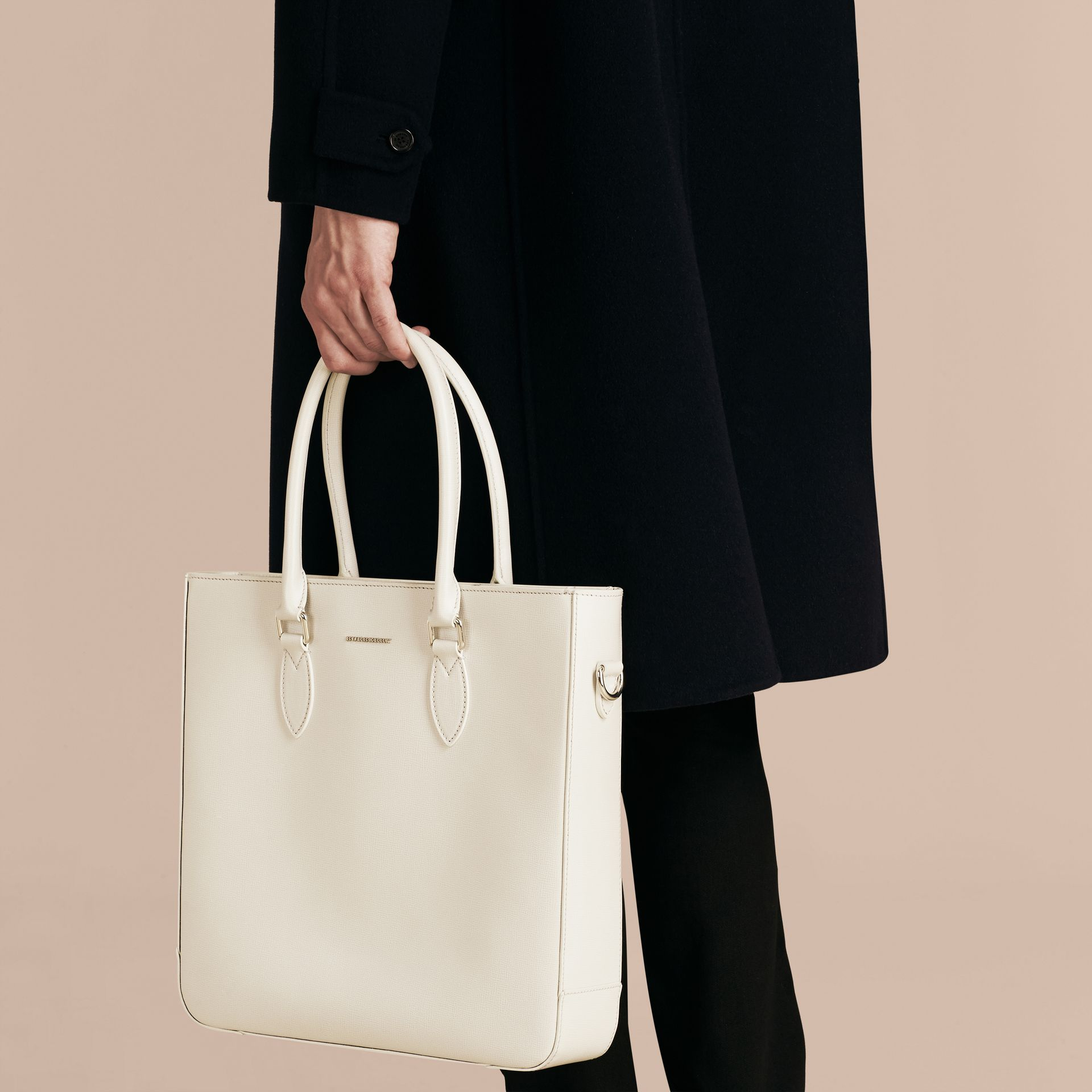 London Leather Tote Bag in Pale Stone - gallery image 4