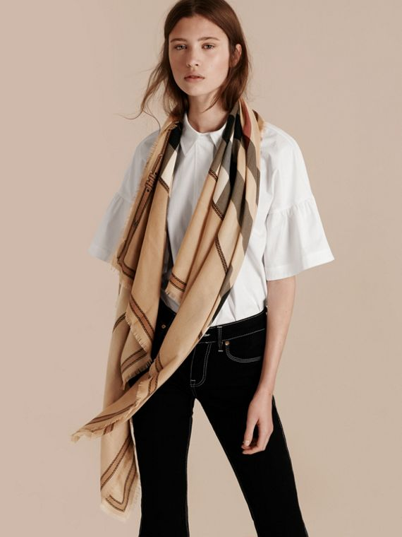 Contrast Border Horseferry Check Cashmere Scarf in Camel - cell image 2