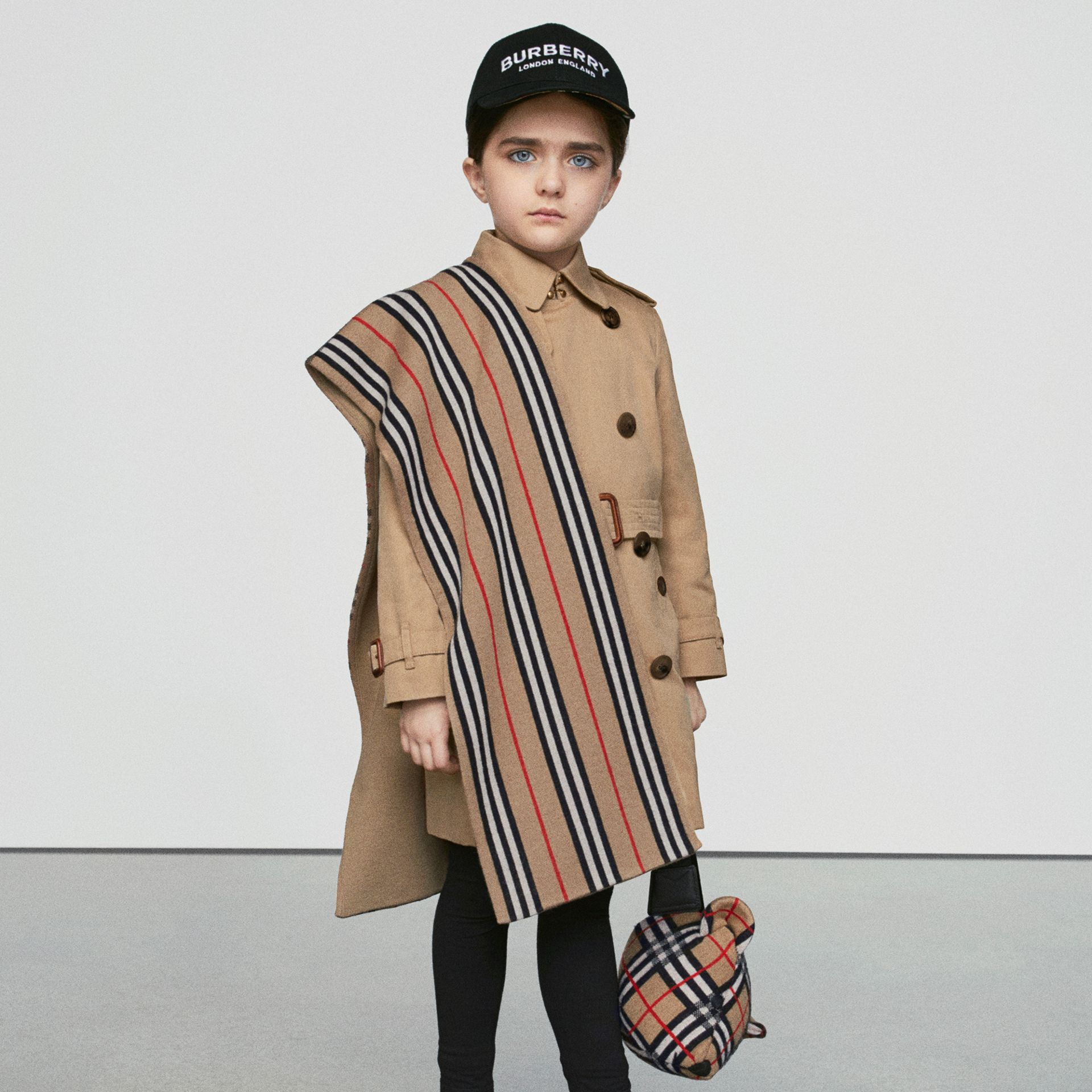 Vintage Check and Icon Stripe Wool Two-piece Gift Set in Archive Beige - Children | Burberry Hong Kong - gallery image 1