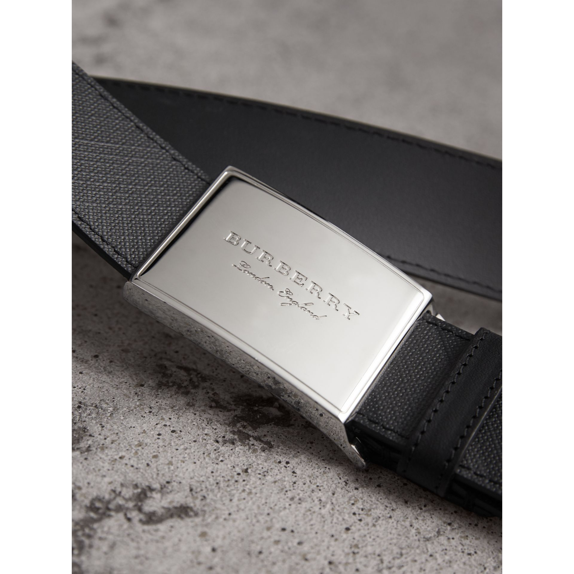 Plaque Buckle London Check  and Leather Belt in Charcoal/black - Men | Burberry United Kingdom - gallery image 1