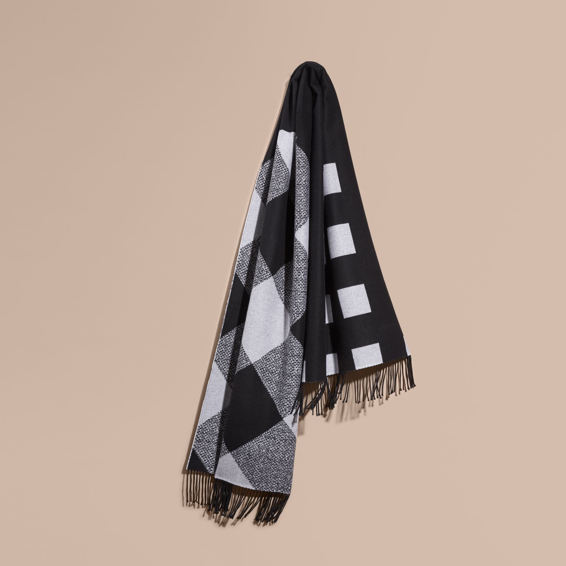 Black/white Reversible Check Cashmere Scarf Black/white - gallery image 1