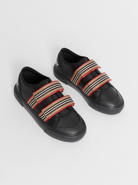 Icon Stripe Detail Leather Sneakers in Black