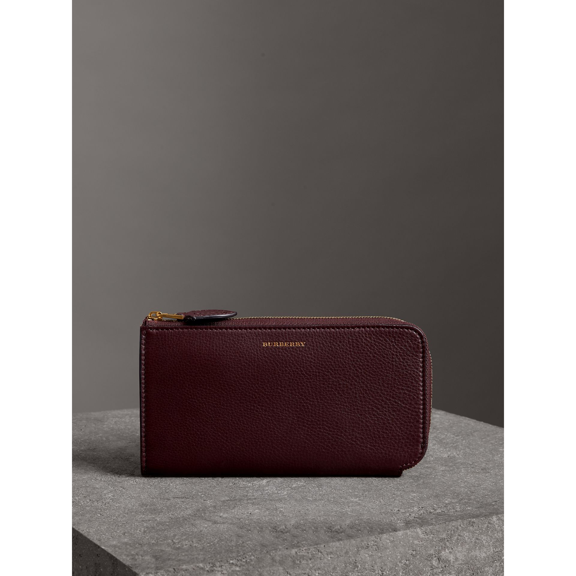 Two-tone Leather Ziparound Wallet and Coin Case in Deep Claret - Women | Burberry Australia - gallery image 4