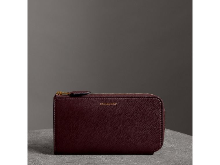 Two-tone Leather Ziparound Wallet and Coin Case in Deep Claret - Women | Burberry - cell image 4