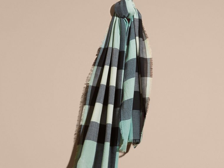 The Lightweight Cashmere Scarf in Check in Dusty Mint - cell image 4