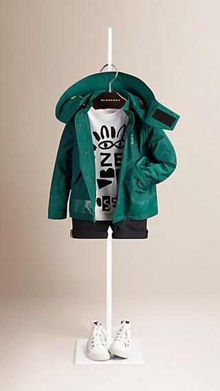Jaqueta leve de tecido tecnológico com capuz removível