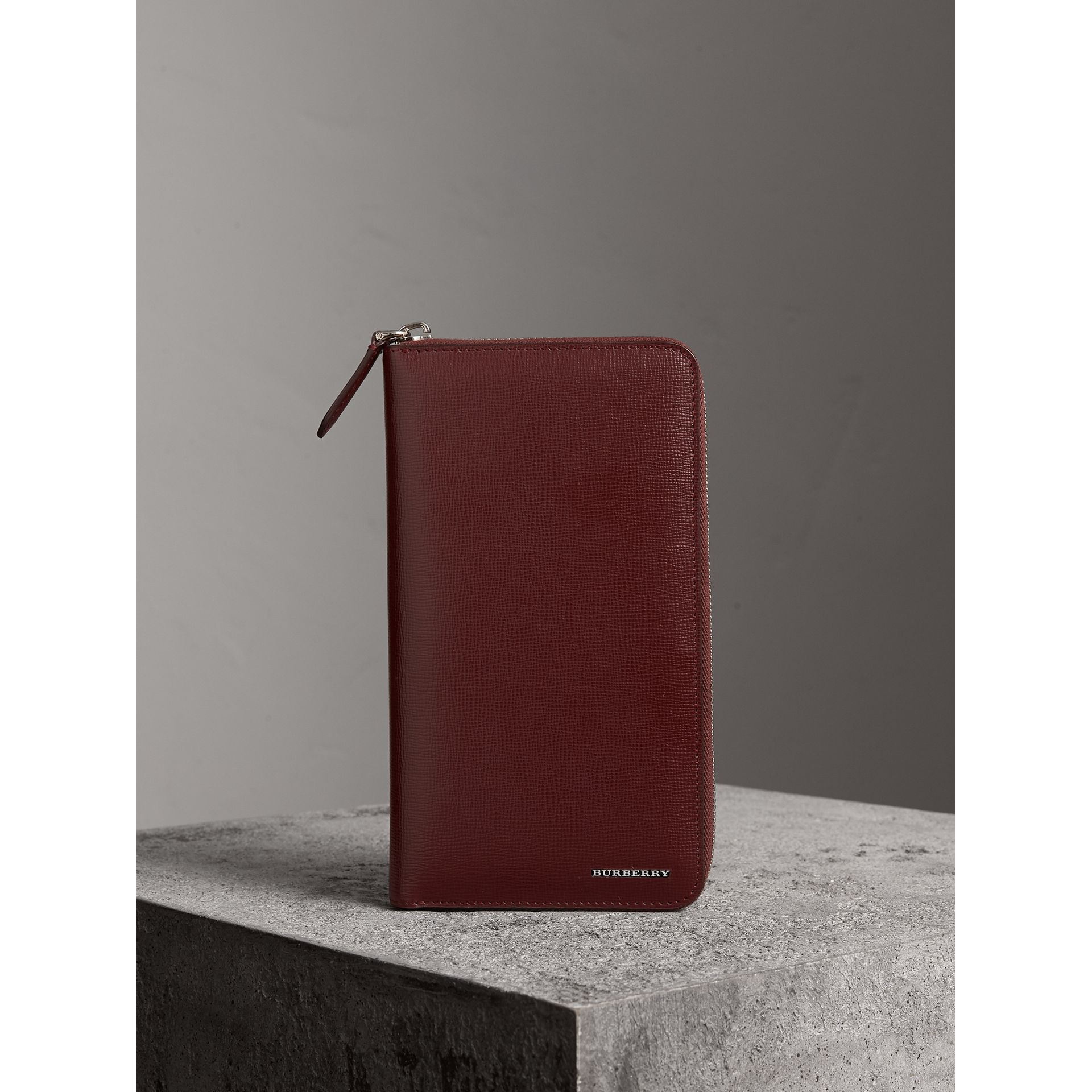 London Leather Ziparound Wallet in Burgundy Red | Burberry United States - gallery image 4
