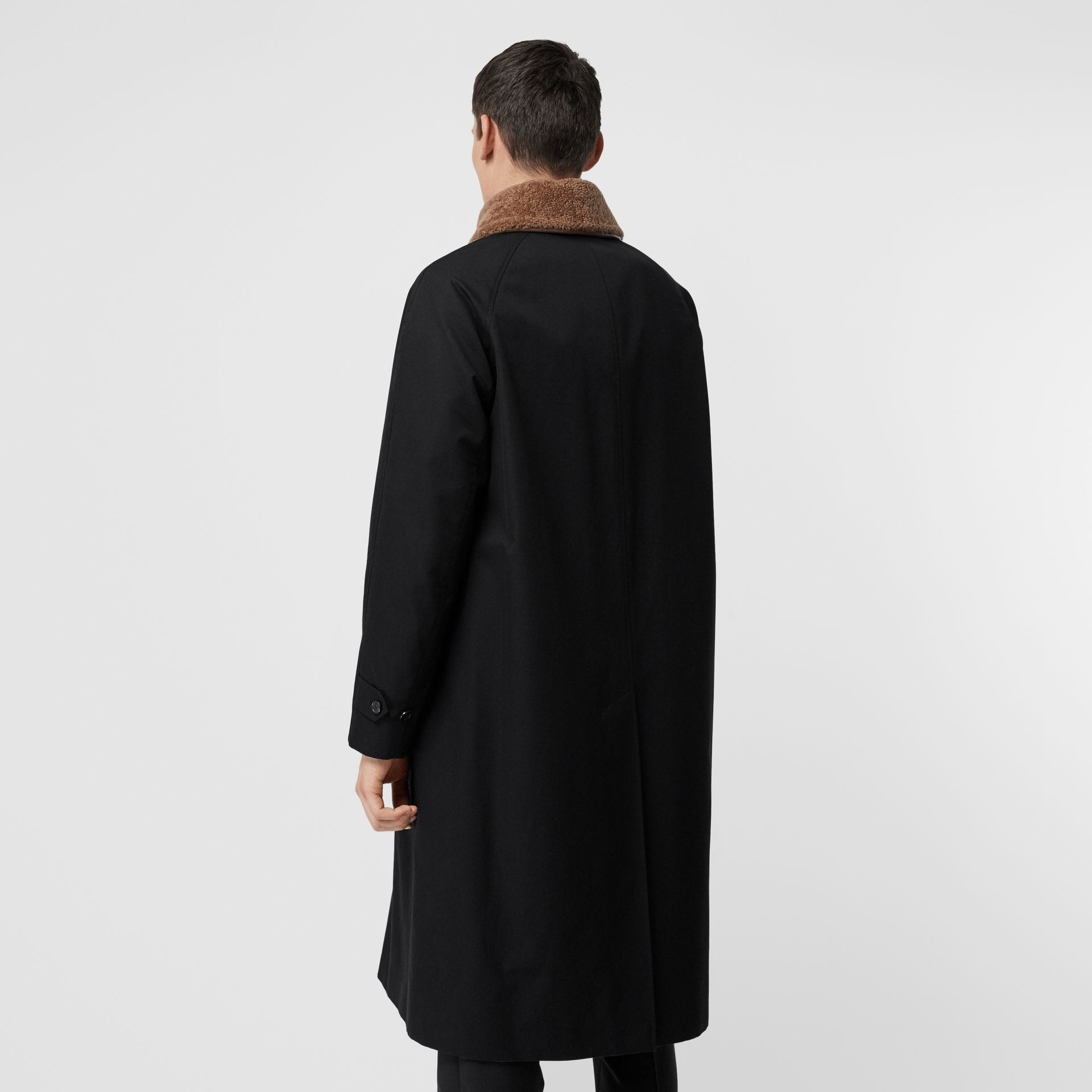 Contrast Shearling Collar Cotton Car Coat in Black - Men | Burberry Singapore - gallery image 2