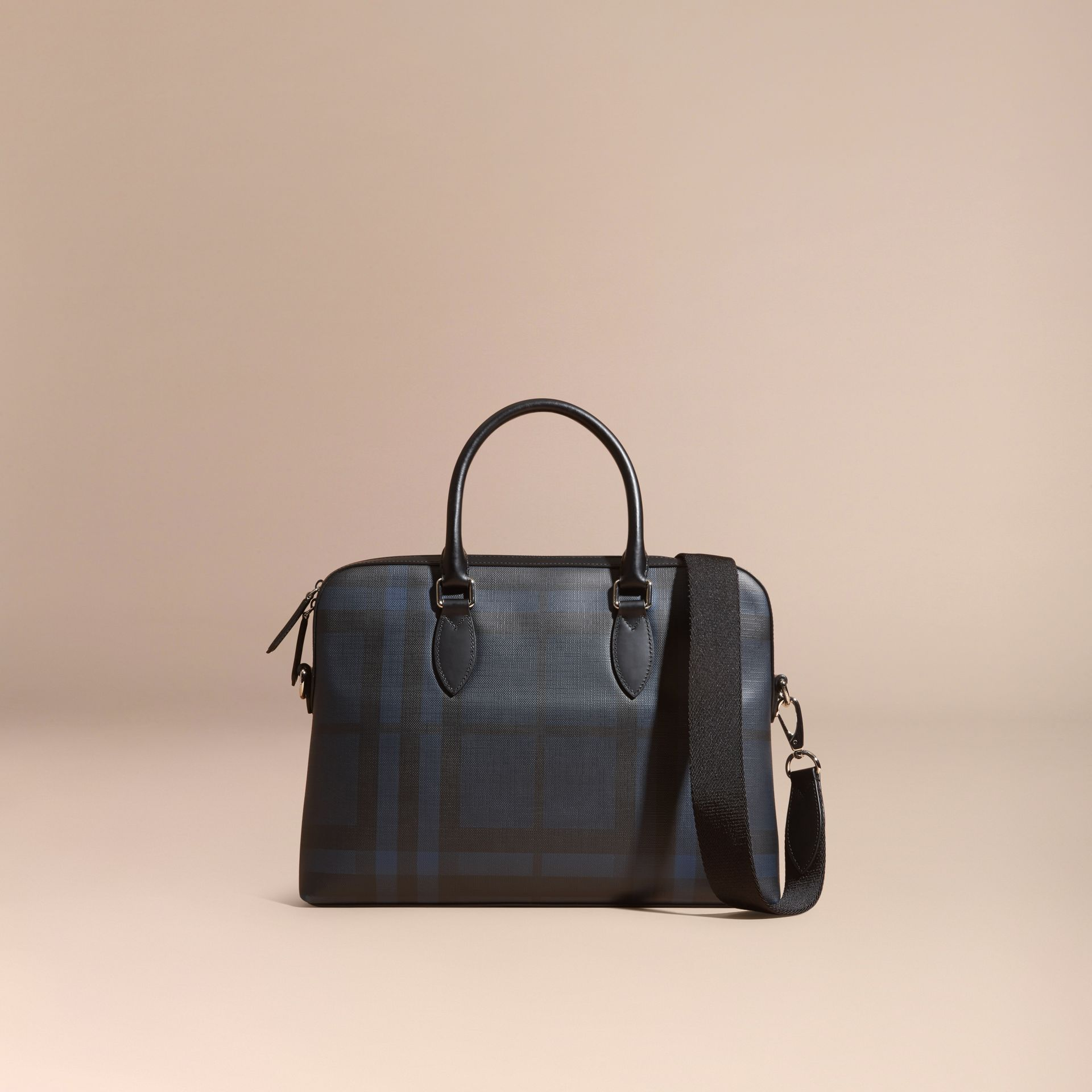 Sac The Barrow fin avec motif London check (Marine/noir) - Homme | Burberry - photo de la galerie 8