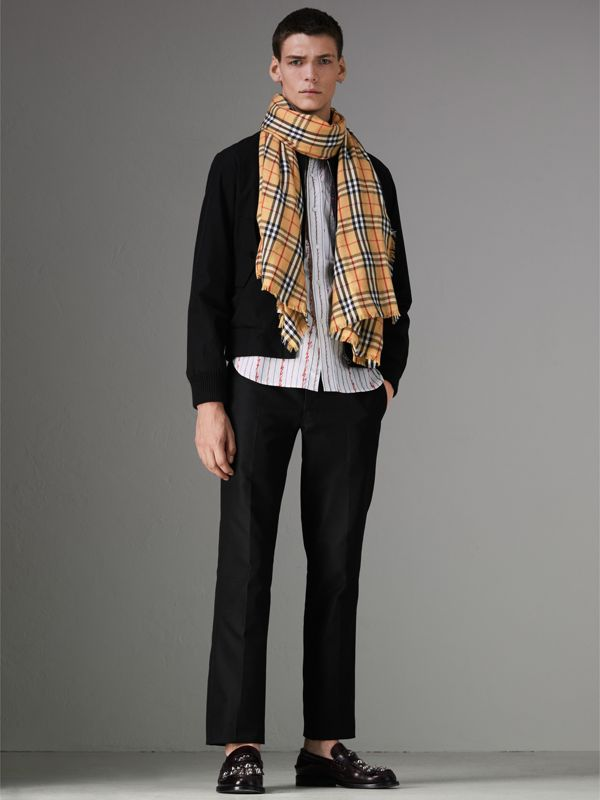 Vintage Check Lightweight Cashmere Scarf in Antique Yellow | Burberry United Kingdom - cell image 2