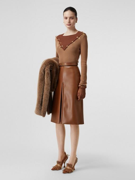 盒狀褶人造皮革裙 (暗栗棕)