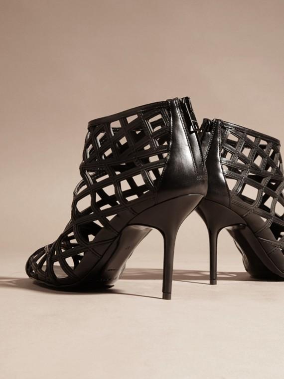 Schwarz Stiefeletten aus Leder mit Aussparungsdetail Schwarz - cell image 3