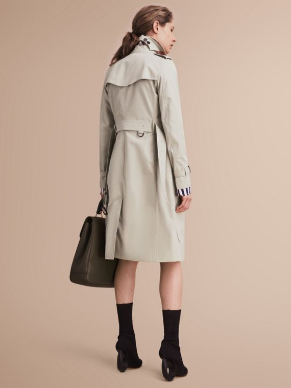 The Kensington – Extra-long Heritage Trench Coat in Stone - Women | Burberry - cell image 2
