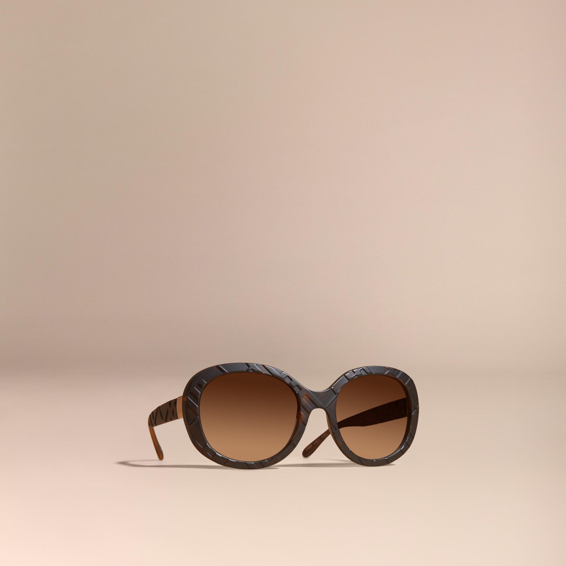 Tortoise shell 3D Check Round Frame Sunglasses Tortoise Shell - gallery image 1