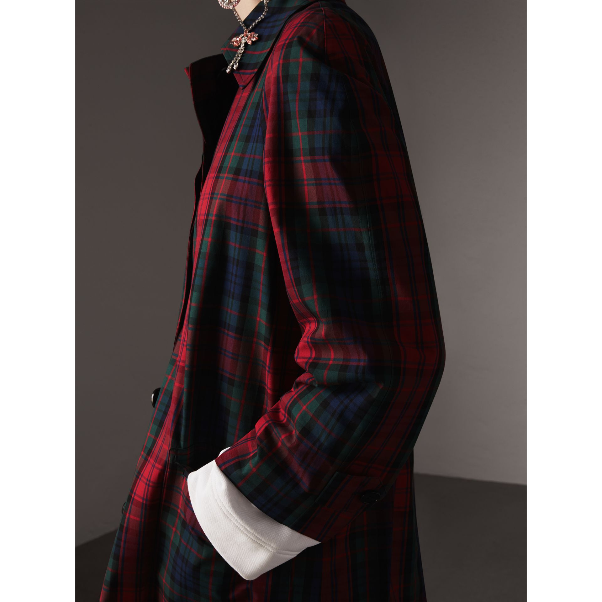 Tartan Cotton Gabardine Car Coat in Bright Red - Women | Burberry Canada - gallery image 2