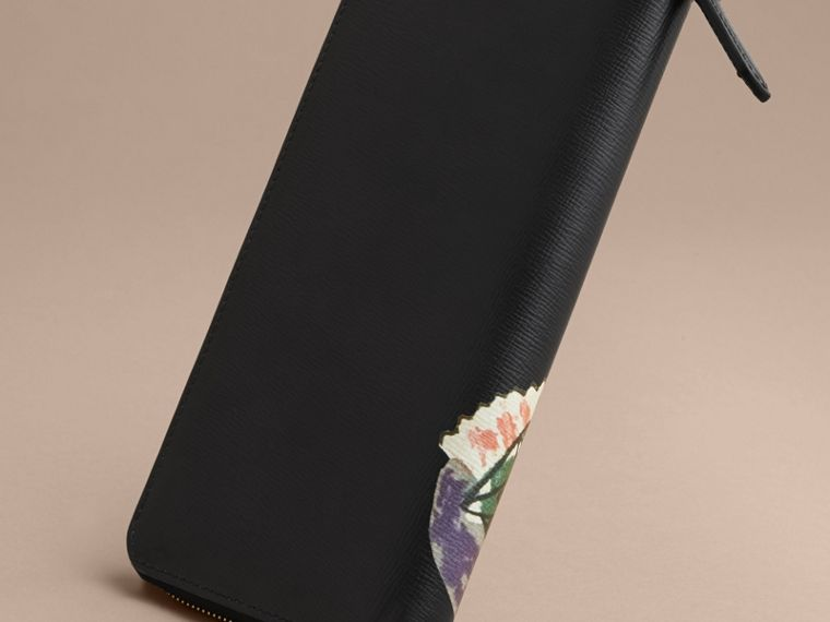 Pallas Heads Print London Leather Ziparound Wallet - Men | Burberry - cell image 4