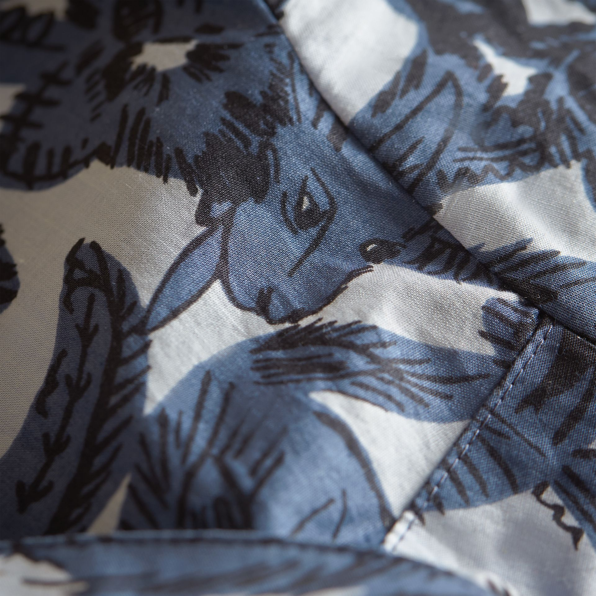 Short-sleeve Beasts Print Cotton Shirt in Stone Blue | Burberry - gallery image 2