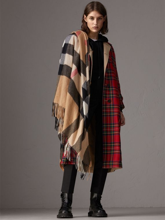 Check Cashmere Wrap in Camel | Burberry - cell image 2