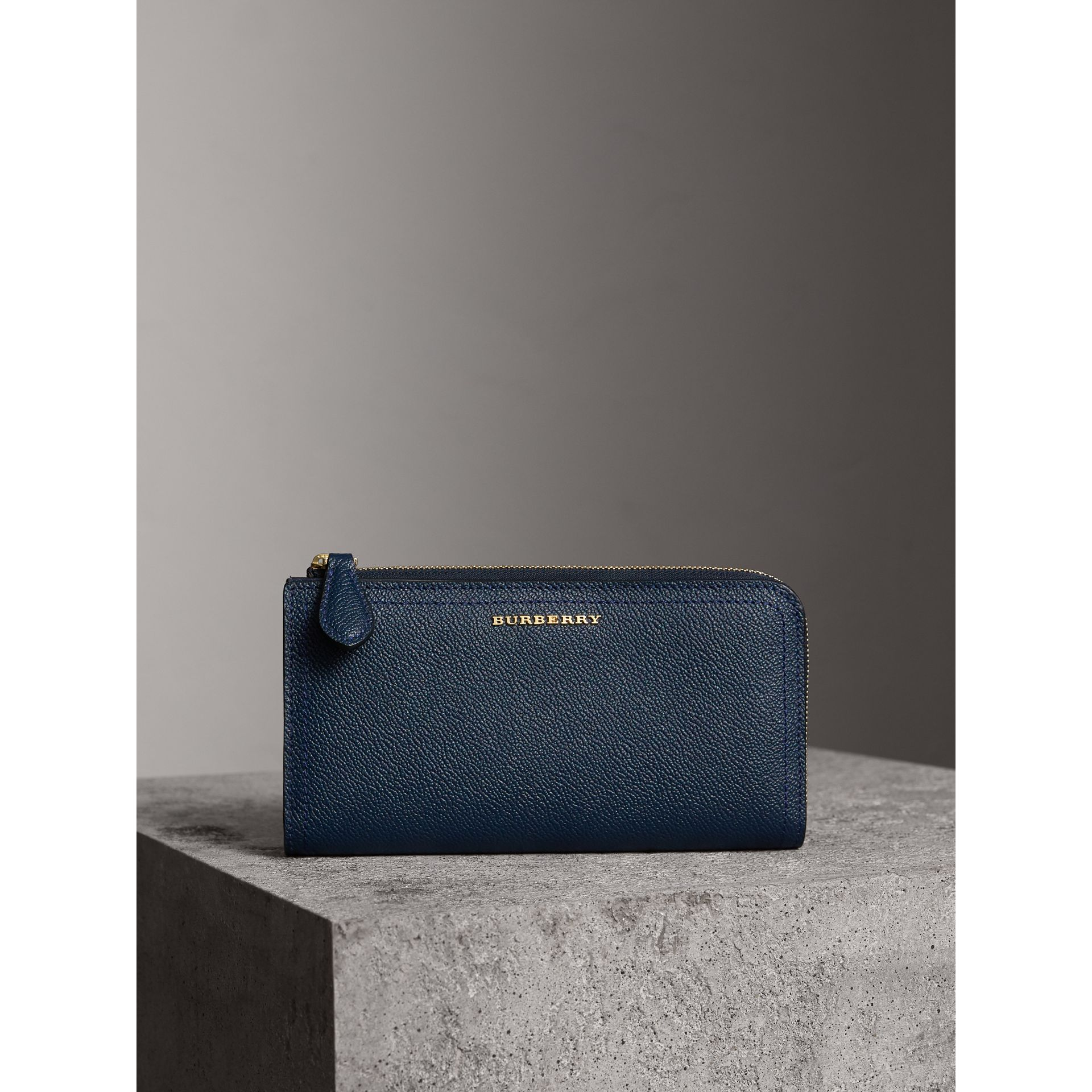 Grainy Leather Ziparound Wallet in Blue Carbon - Women | Burberry - gallery image 4
