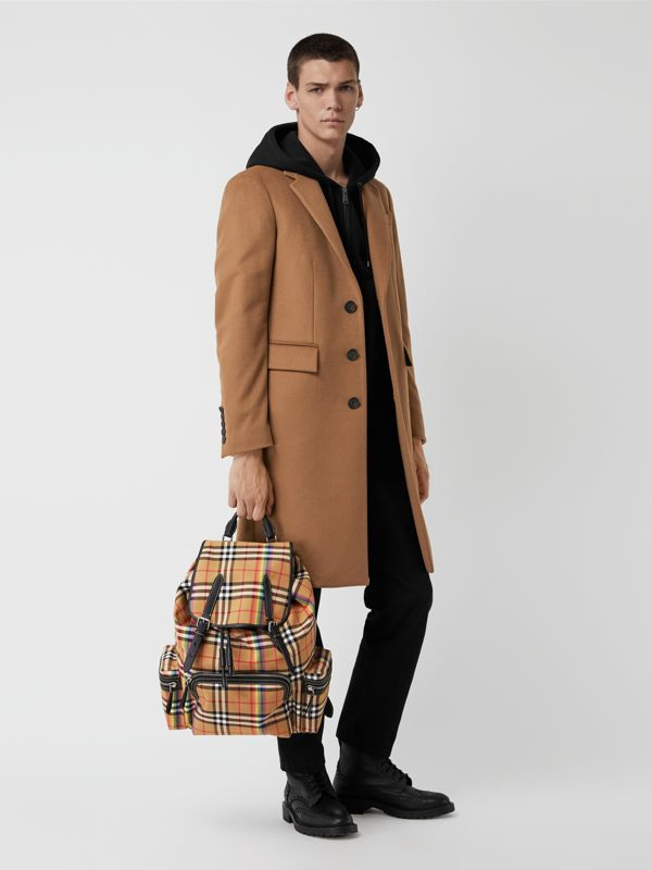 Grand sac The Rucksack à motif Rainbow Vintage check (Jaune Antique) | Burberry Canada - cell image 3