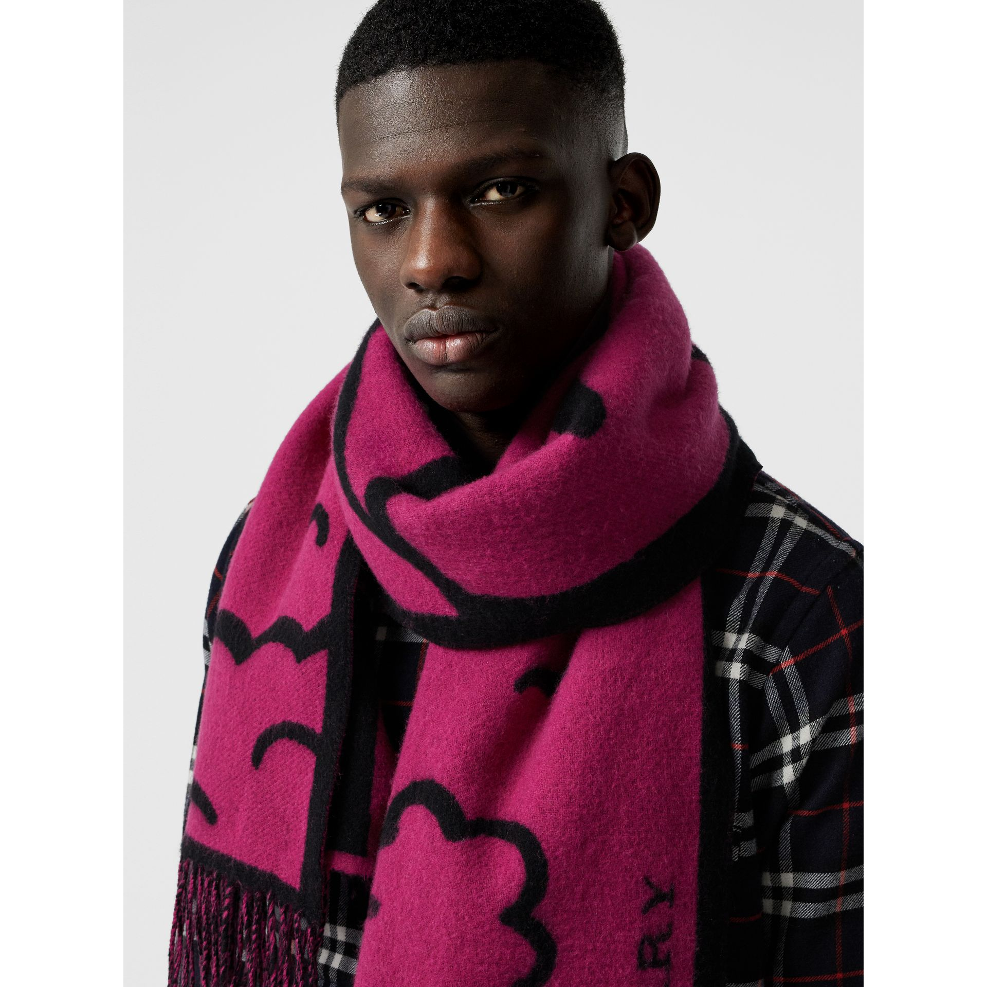 London Street Art Wool Cashmere Jacquard Scarf in Plum Pink | Burberry - gallery image 6