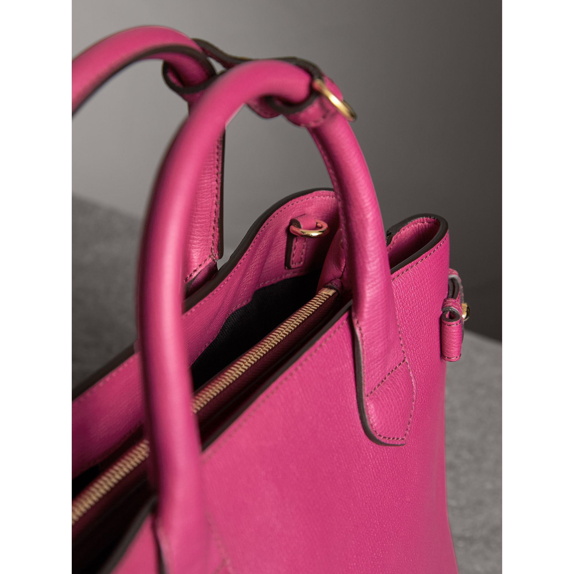 The Medium Banner in Leather and House Check in Brilliant Fuchsia - Women | Burberry - gallery image 5