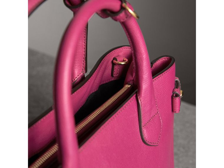 The Banner media in pelle con motivo House check (Fucsia Brillante) - Donna | Burberry - cell image 4