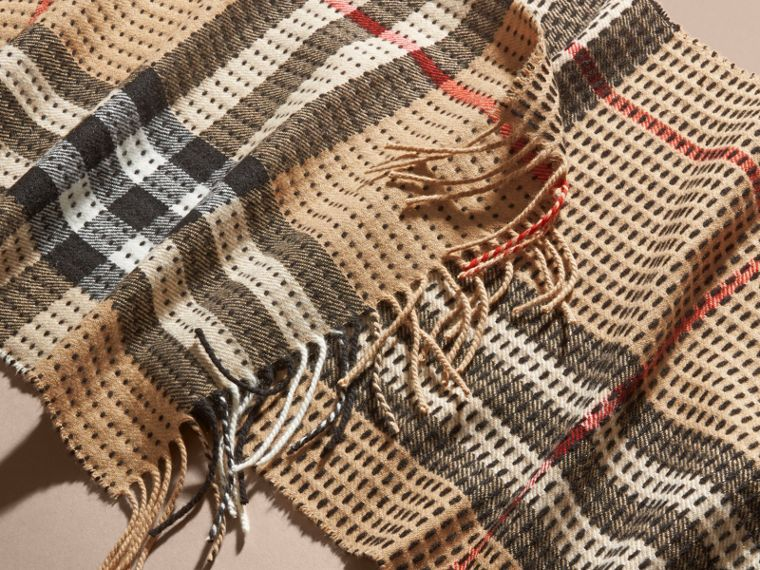 Camel check The Classic Cashmere Scarf in Check with Topstitch Detail Camel - cell image 4