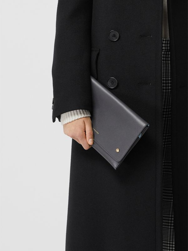 Two-tone Leather Wristlet Clutch in Charcoal Grey - Women | Burberry Hong Kong - cell image 3