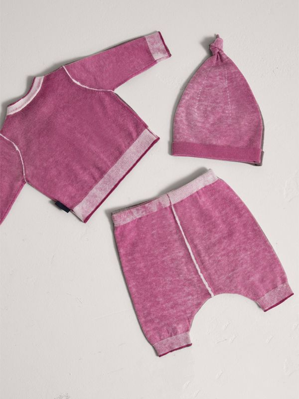 Cashmere Cotton Three-piece Baby Gift Set in Plum Pink | Burberry - cell image 3
