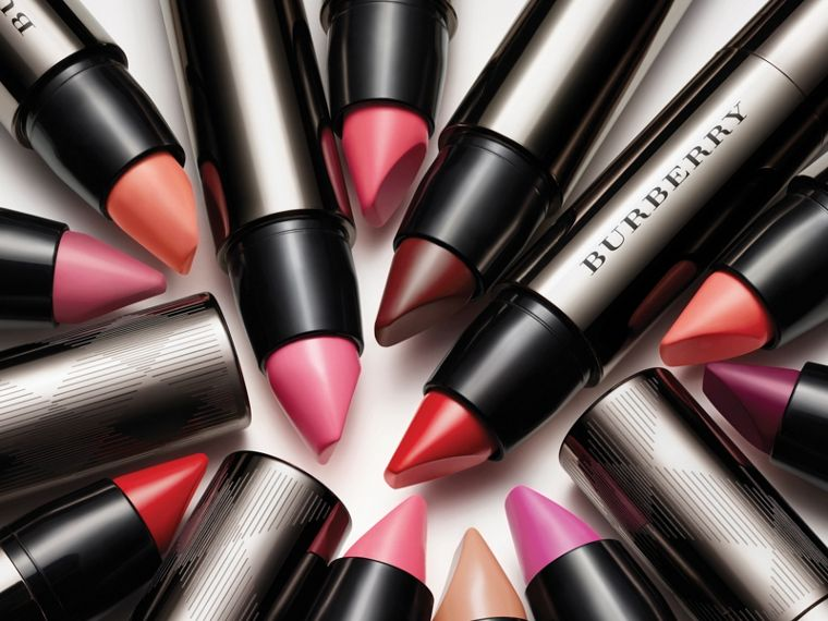 Burberry Full Kisses – Light Crimson No.517 - cell image 2