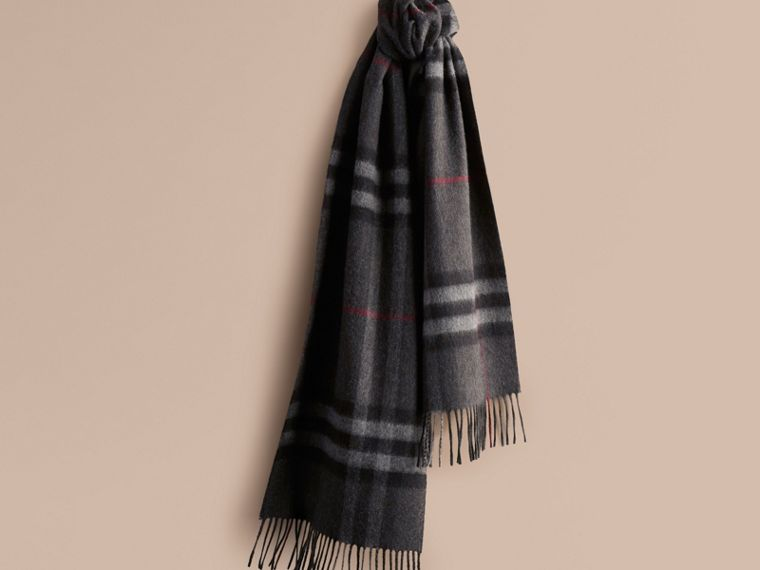 The Classic Cashmere Scarf in Check in Charcoal | Burberry - cell image 4