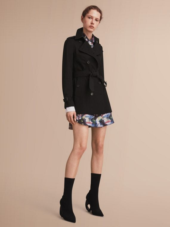 The Sandringham – Short Heritage Trench Coat in Black - Women | Burberry Singapore