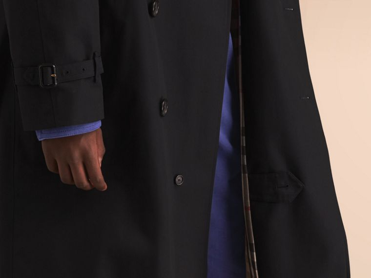 The Westminster – Long Heritage Trench Coat in Black - Men | Burberry - cell image 4