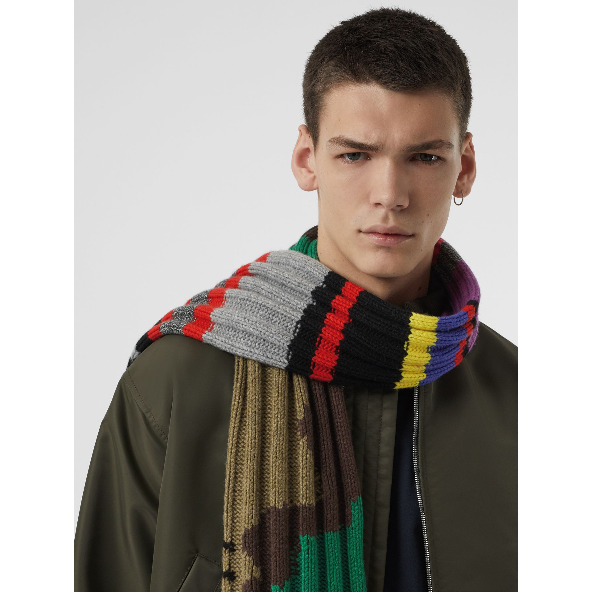 Striped Camouflage Chunky Knit Cashmere Wool Scarf in Multicolour | Burberry United Kingdom - gallery image 6