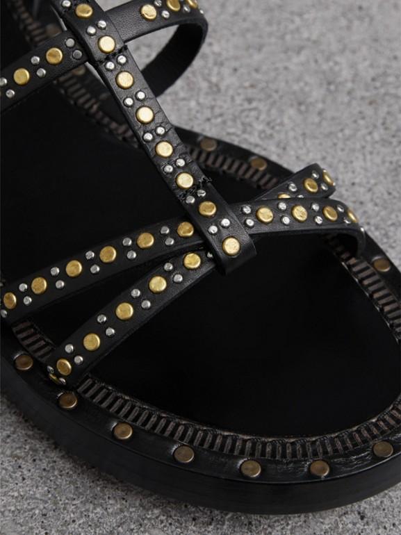 Sandalias de gladiador en piel con tachuelas (Negro) - Mujer | Burberry - cell image 1